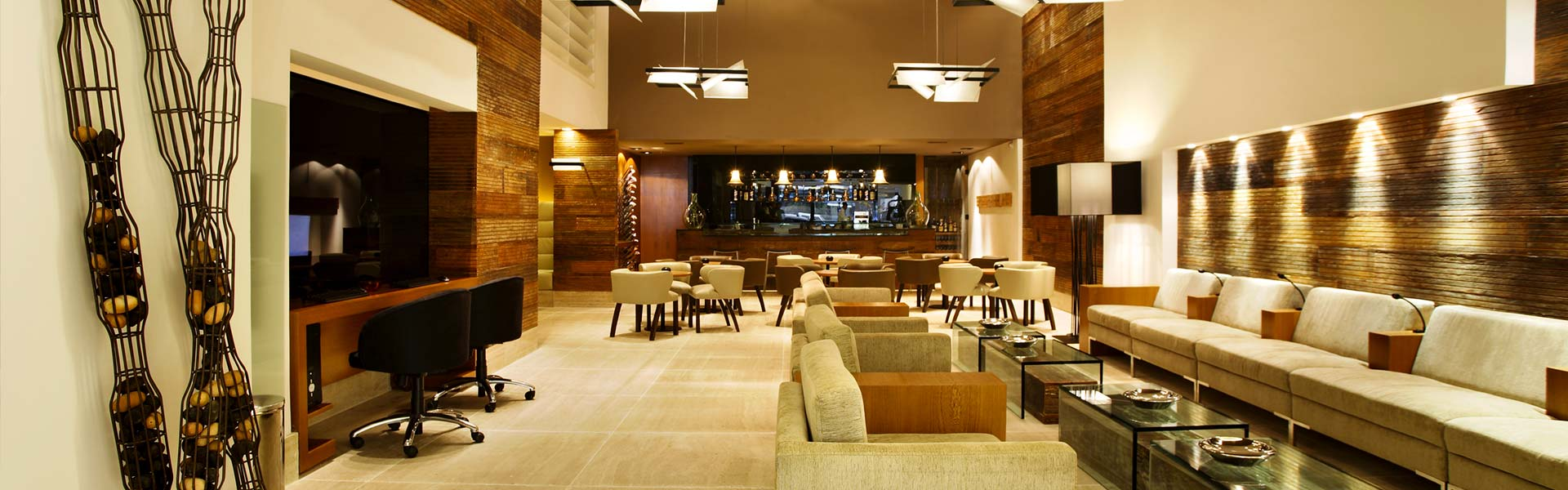 slider-page-ritz-plaza-hotel-leblon-lobby